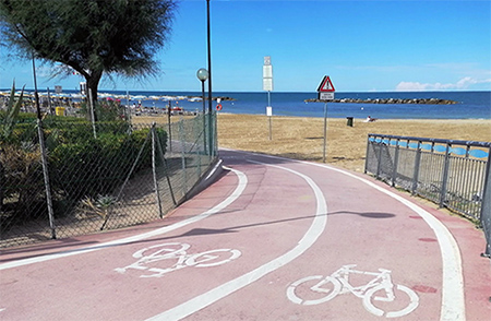 Pista ciclabile sul mare a Pesaro